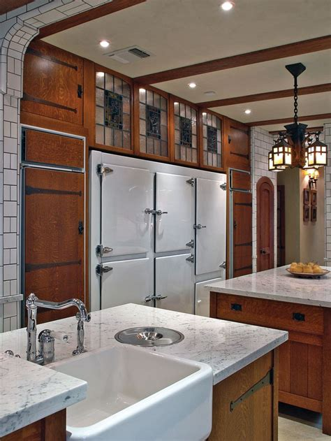 arts and crafts style hardware kitchen with oak cabinets 218 best images about spanish revival kitchens on
