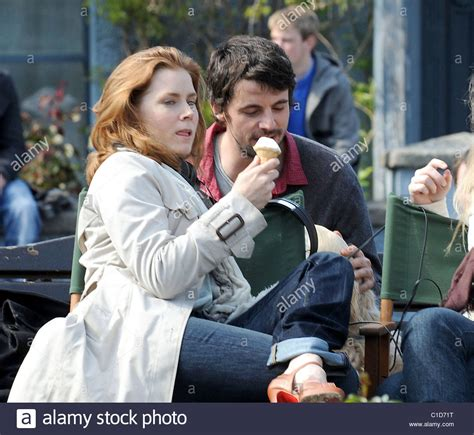 film leap year adalah amy adams and mathew goode filming on location in