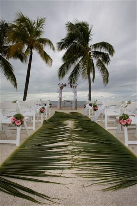 Wedding Aisle Side by Best 25 Wedding Aisles Ideas On Wedding