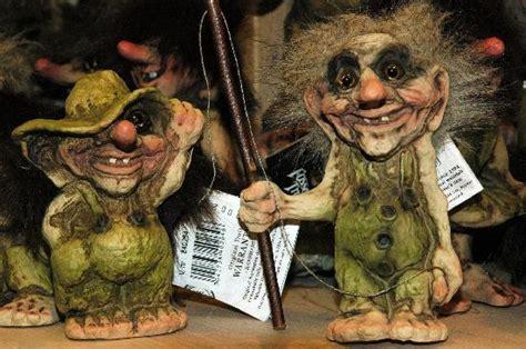imagenes trolls reales trolls en una tienda de souvenirs fotograf 237 a de stavanger