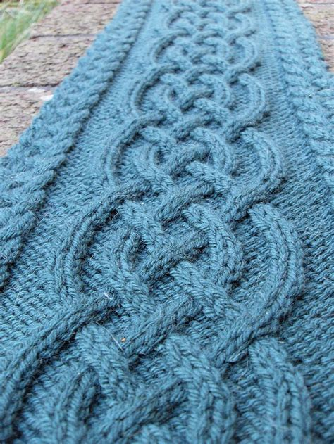 knitting exles 25 best ideas about cable knit scarves on