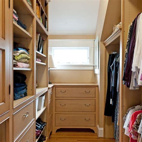 Walk In Closet Design Ideas Diy by How To Maximize A Walk In Closet Ward Log Homes