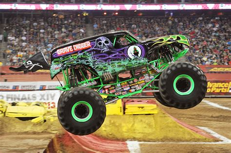 grave digger monster truck pictures grave digger clipart clipart suggest