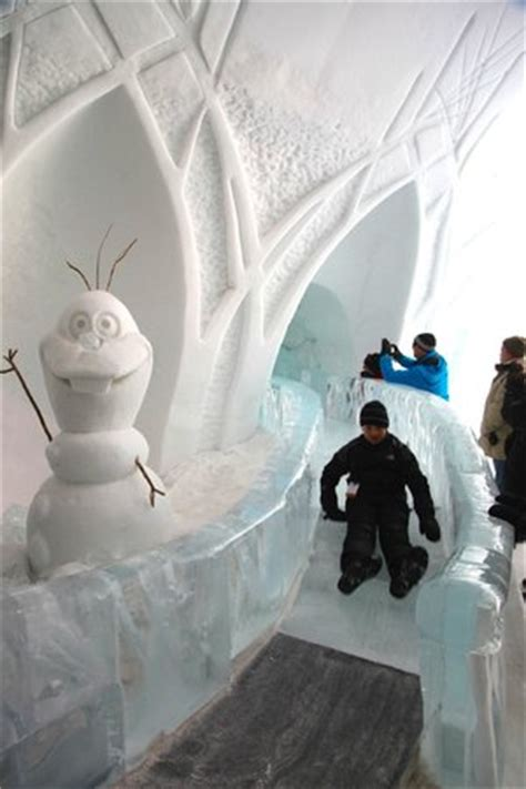ice hotel quebec bathroom bed in the quot disney s frozen quot suite picture of hotel de