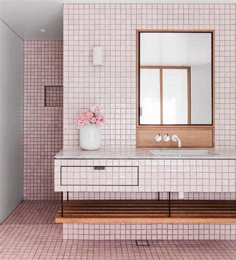 piastrelle lucide pavimento le piastrelle lucide rosa chiaro ricoprono il