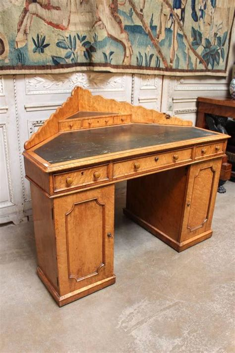 English Victorian Maple Corner Desk For Sale At 1stdibs Maple Corner Desk