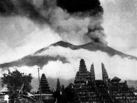 earthquake agung bali volcano eruption what s going on with mount agung