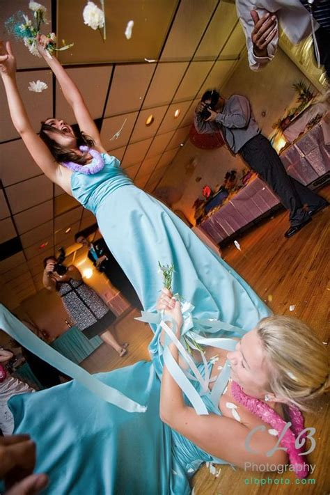 Wedding Bouquet Catch by Photos Reveal The True Of A Wedding Bouquet Toss
