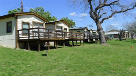 Cabins On The Guadalupe by Guadalupe Resort S Cabins And Cottages For Lodging