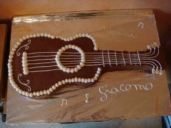 gitarren kuchen eine gitarre f 252 r mein mann motivtorten fotos forum