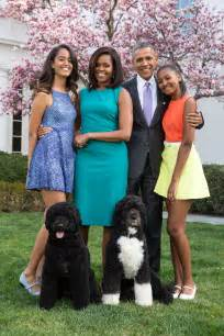 the obama s white house unveils new obama family portrait q13 fox news