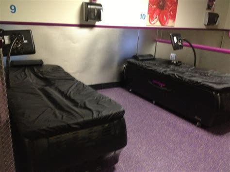 planet fitness massage bed hydromassage tables only for black card members yelp