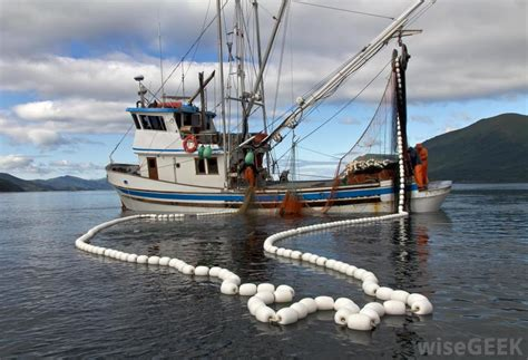 What Is a Fishing Boat? (with pictures)