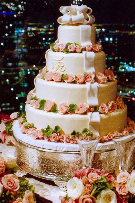 Bakery For Wedding Cakes by Reasons To Consider A Local Wedding Cake Bakery Southern