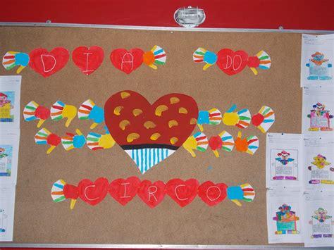 Calendario Dos Dias Mundiais Painel Dia Do Circo Drika Padula Elo7