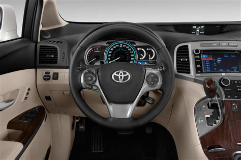 free service manuals online 2010 toyota venza interior lighting 2014 toyota venza steering wheel interior photo automotive com