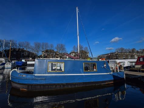 boat and mooring for sale london 1980 narrowboat 30ft with london mooring power boat for