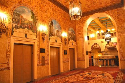 theme hotel chicago il intercontinental chicago magnificent mile the curious