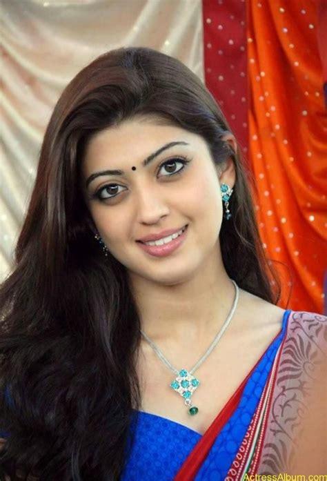 cute hindi film actress kannada film actress pranitha cute saree stills as in