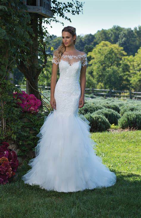Wedding Dresses by Sincerity Bridal   3985   Weddingwire.ca