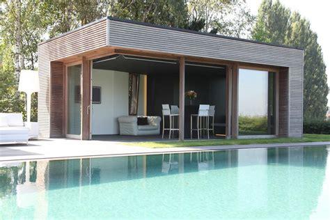 Pool House En by Veranclassic Modern Houten Poolhouse In Afrormosia