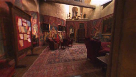 gryffindor common room password enter gryffindor commonroom by obsession on deviantart