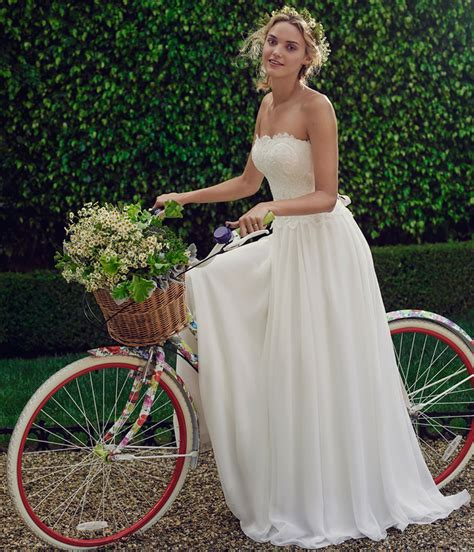 comfortable wedding dress daisy a relaxed comfortable wedding dress blog