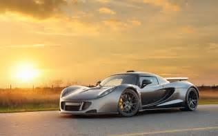 Gt Venom Vs Bugatti Hennessey Venom Gt Hd Wallpaper Hd Pictures