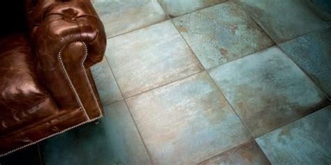 piastrelle metallo pavimenti e rivestimenti con effetto metallo per qualsiasi