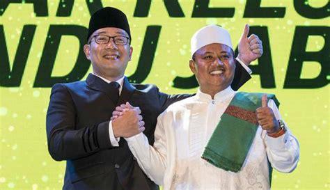 Pangsi Hitam Khas Nusantara ridwan kamil tak percaya mitos nomor urut paslon suara