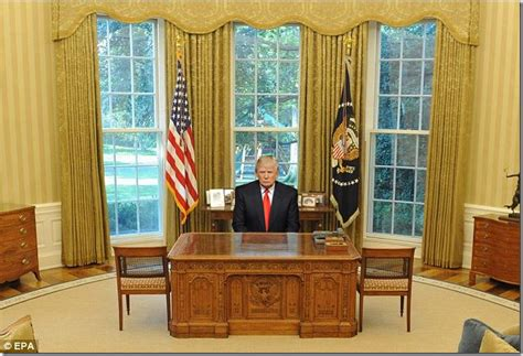 trump gold drapes oval office gold curtains donald trump thinks his new