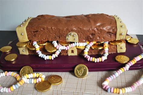 kinderspiele kuchen backen schatztruhe kuchen kindergeburtstag