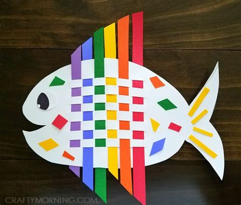 colour paper crafts best 25 fish crafts ideas on fish crafts