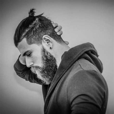 bjorn lothbrok hairstyle top knot fryzura samuraja wikinga bjorn lothbrok haircut