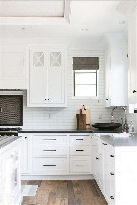 pulls and knobs for white cabinets best 25 kitchen cabinet hardware ideas on