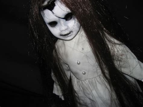 creepiest dolls from horror movies that will scare you creepy dolls crazy scary games online games