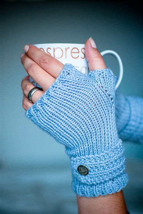 free knitting patterns for fingerless gloves top 10 free patterns for knitting fingerless mittens top