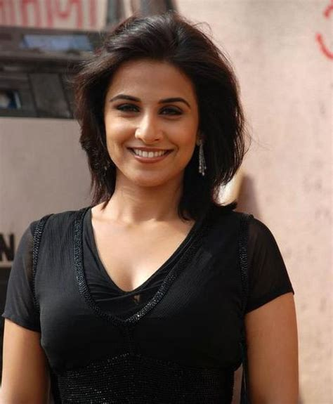 8 awesome photos of vidya balan actors wallpapers news pictures