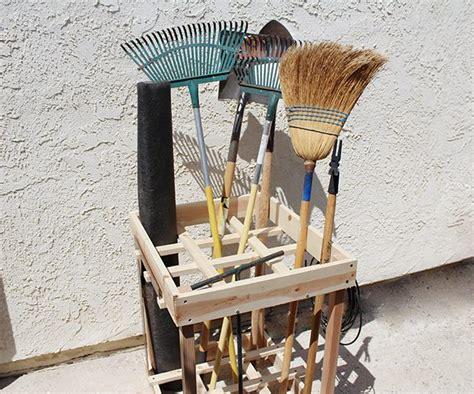 diy garden tool rack ehow