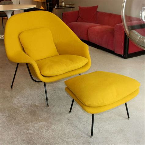 very ottoman very early saarinen womb chair and ottoman knoll at 1stdibs