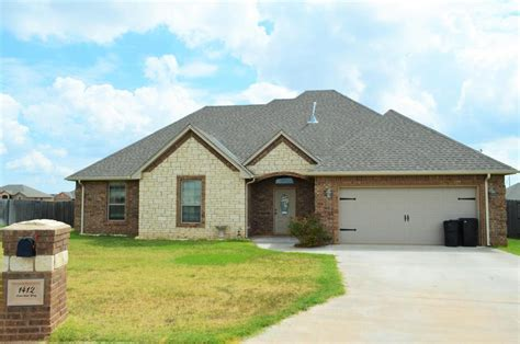 1412 limestone way elgin ok mls 147354 century 21