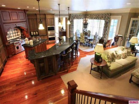 dixie s latest and greatest home house tour chrisley knows best house for sale take the tour