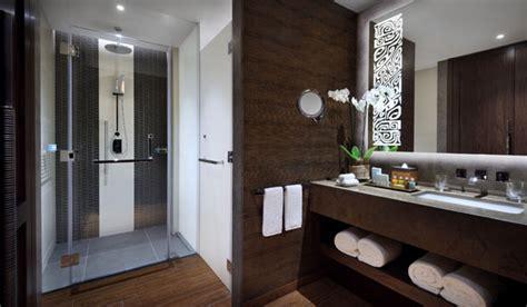 dubai bathrooms inside the polynesian themed lapita hotel at dubai parks