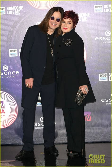 mtv emas 2014 did sharon osbourne just throw shade at kim sharon ozzy osbourne wear matching outfits at mtv emas