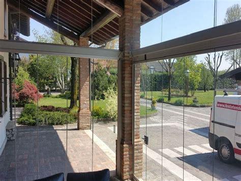 chiusure in vetro per terrazzi chiusure per esterni in vetro e pvc vetrate scorrevoli e