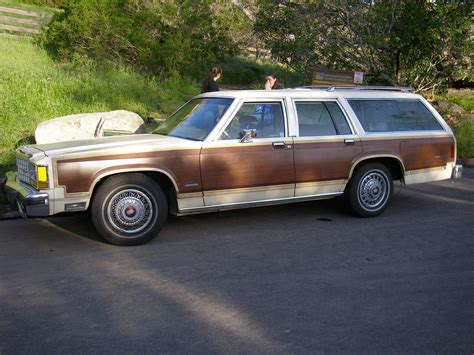 country ford file 1983 ford country squire jpg wikimedia commons