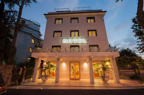hotel la pergola 126 1 4 3 prices reviews rome