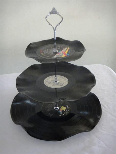 Tempat Cup Cake Cupcake Coklat Stand 3 Tier Susun Karakter Peppa Pig 3 tier cup cake stand vintage retro vinyl record rockabilly wedding rock n roll kitchen