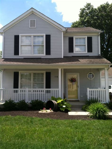 Grey House Yellow Door by 1000 Images About Exterior House Paint Colors On