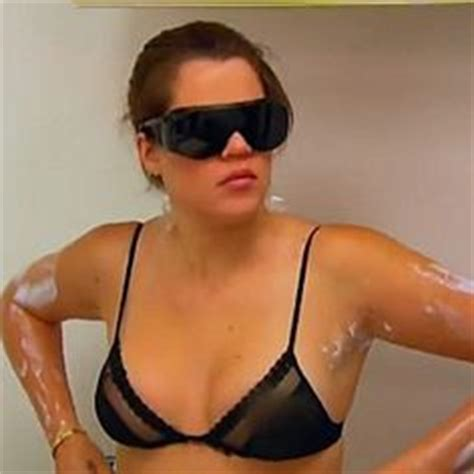 khloe removes tattoo is foxx hiding a hair transplant scar his